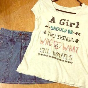 EUC - Girls Justice T-shirt Sz 18